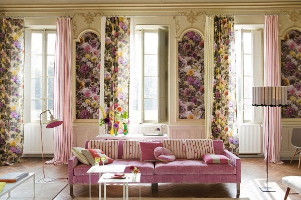 Floral-Wall-Spring-Decoration-in-pink-living-room1